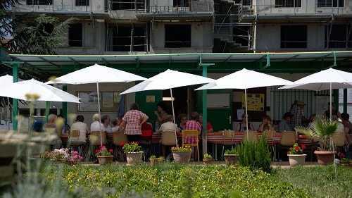 exclusion-precarite-centres-sociaux-rhone-repas-groupe